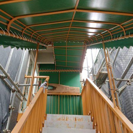 東京都中野区|手動式オーニングテントの施工事例(店舗・軒先)