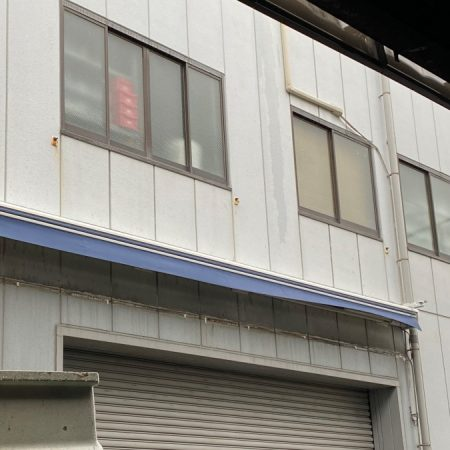 大阪府堺市|電動式オーニングテントの施工事例(工場)